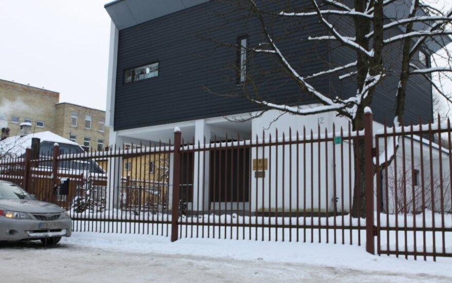 Naktį Vilniuje iš saugomo notarės biuro išneštas seifas su 100 tūkst. litų