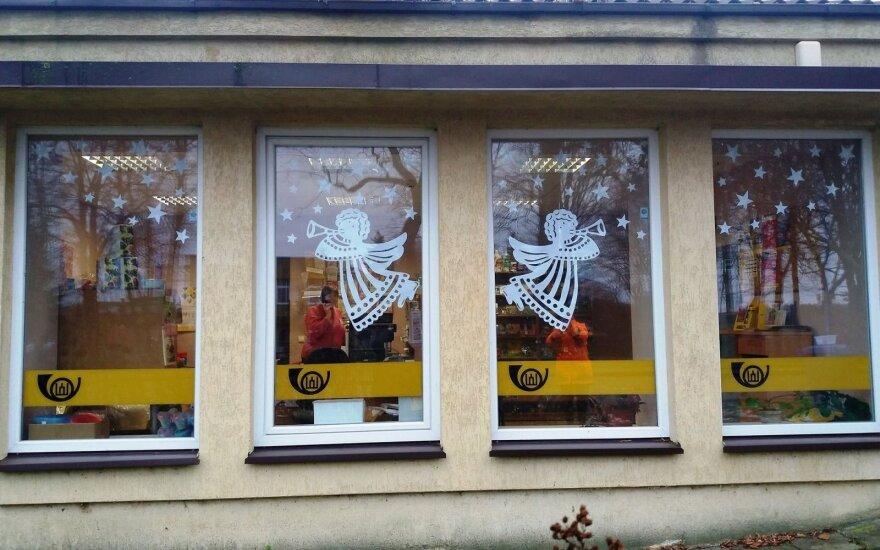 """Valkininkų namų languose """"nutūpė"""" angelai – pasigrožėkite bendruomenės darbais"""