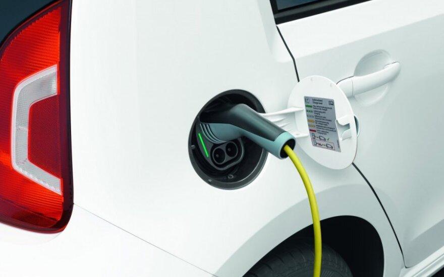 Elektromobiliams skirta infrastruktūra pagaliau žengia pirmuosius žingsnius