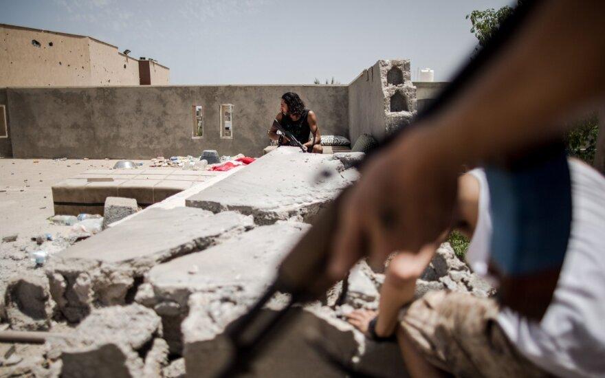 JT kritikuoja Libijos ginklų embargo pažeidimus nepaisant Berlyne duotų pažadų