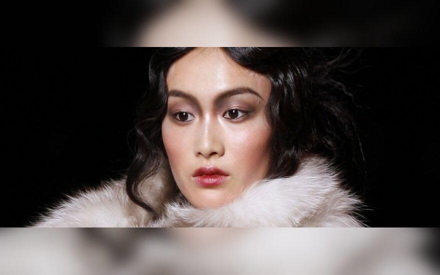 """Mados namai """"Dior"""" paskutinį kartą pristatė susikompromitavusio dizainerio J.Galliano kolekciją"""