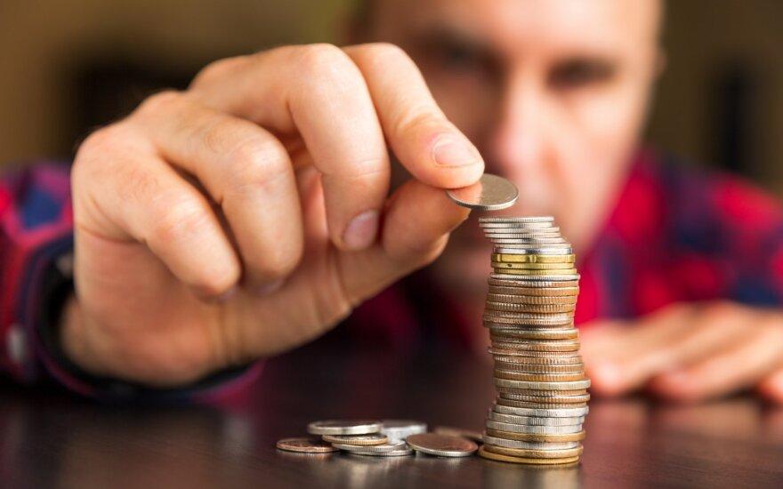 """Vyras stebisi, kad dabar reikia pačiam sekti savo finansinę situaciją """"Sodra"""" paskyroje."""