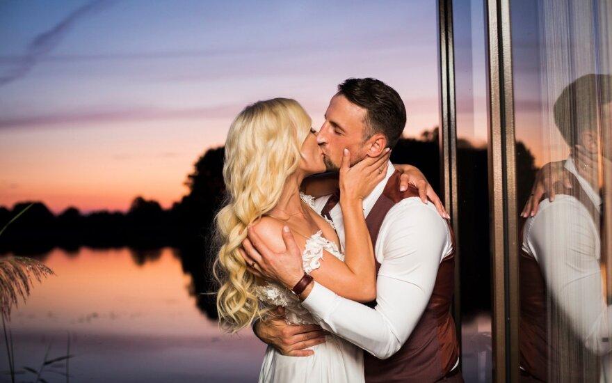 """""""Rimti reikalai"""" aktorius Justinas Barkus vedė savo mylimąją /Foto: LV photography"""