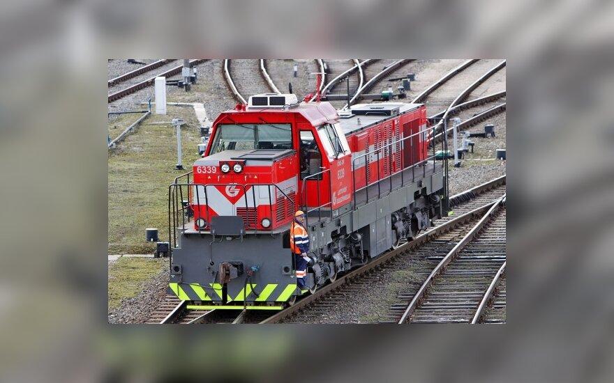 Dėl nuostolių gali būti nutrauktas keleivių vežimas traukiniais