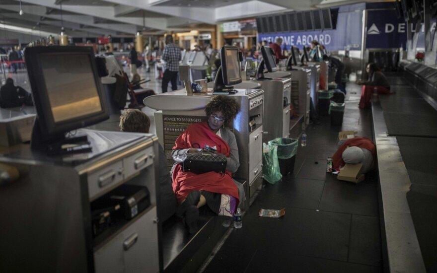 Judriausiame pasaulio oro uoste atšaukta daugybė skrydžių