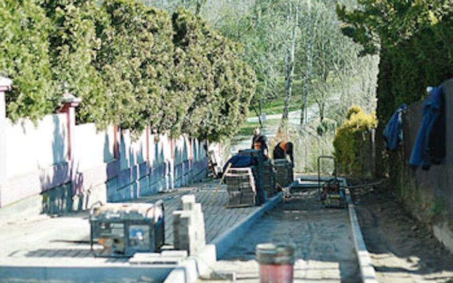 Kretingoje remontuojami laiptai, vedantys į parką