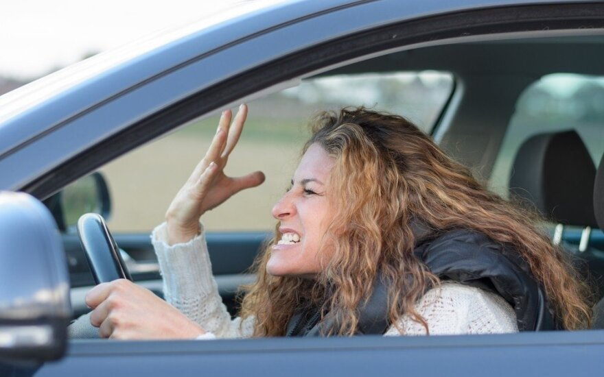 Labiausiai stabdžių negaili nervingi vairuotojai