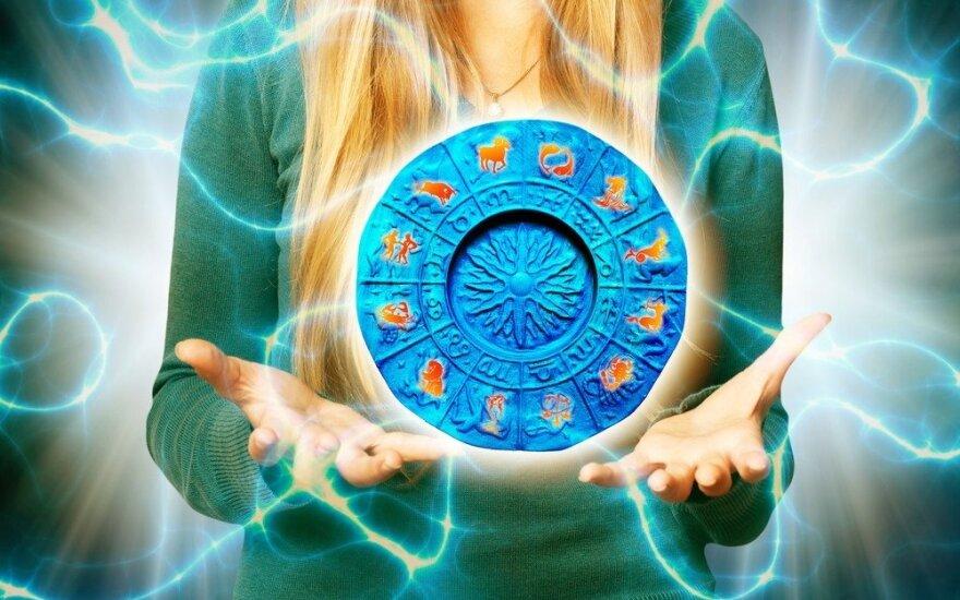 Astrologės Lolitos prognozė balandžio 3 d.: permaininga gilių potyrių diena
