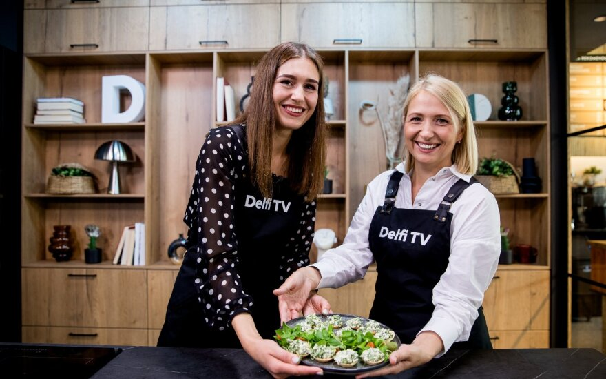 Greta Klimkaitė ir Kristina Pocytė virtuvėje