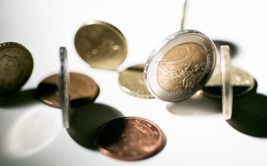 Estijos bankas: dėl pinigų plovimo skandalų gali brangti paskolos