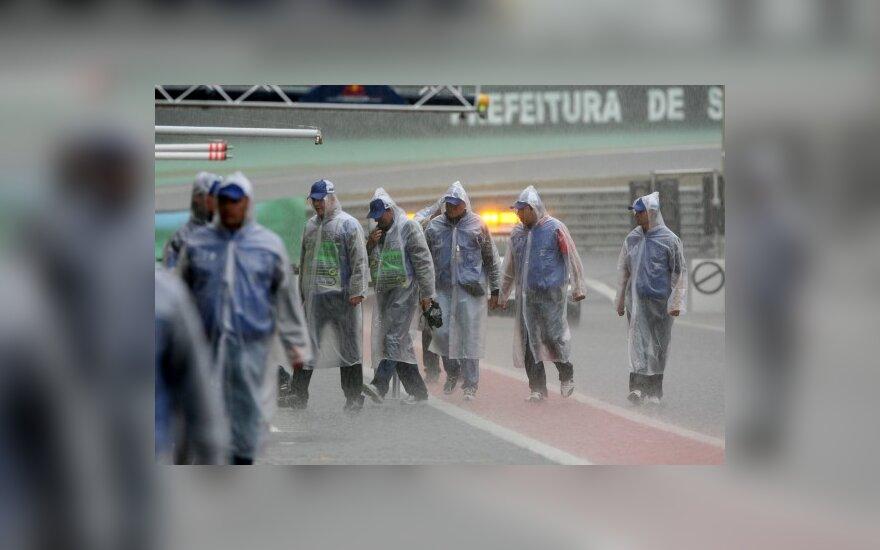 Interlagoso trasa per lietų