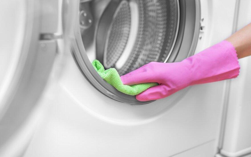 Kaip greitai išvalyti skalbimo mašiną natūraliomis priemonėmis