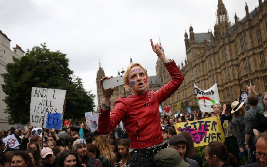 "Penki ""Brexit"" scenarijai: laukiama politinio sprogimo"