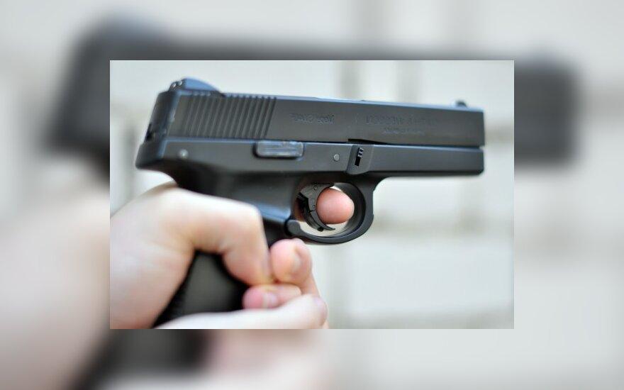 JAV mokykloje įvykusi įkaitų drama baigėsi paaugliui užpuolikui paleidus šūvį į save