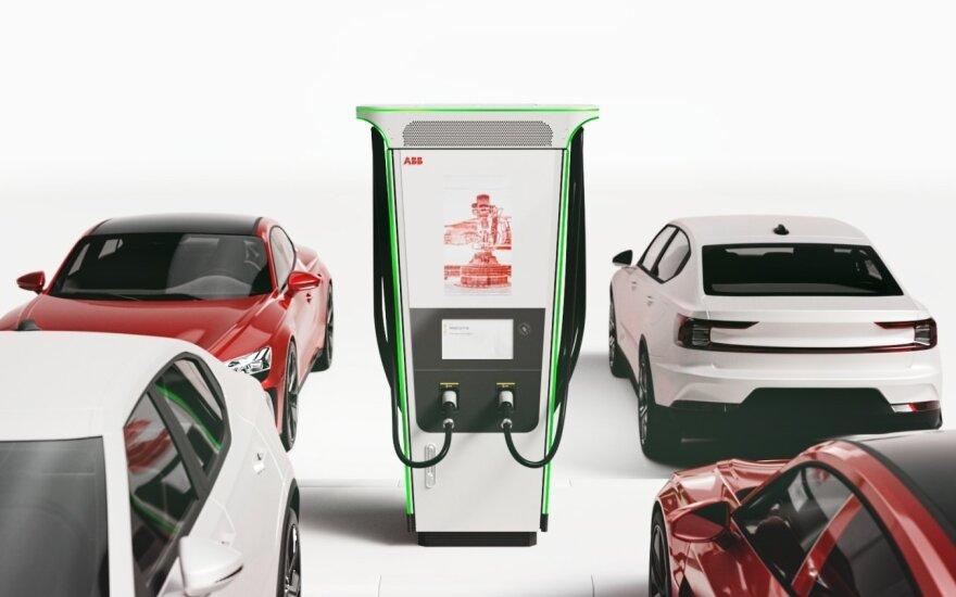 Pristatė greičiausią pasaulyje elektromobilių įkrovimo stotelę: 100 km bus nuvažiuoti galima po 3 minučių įkrovimo