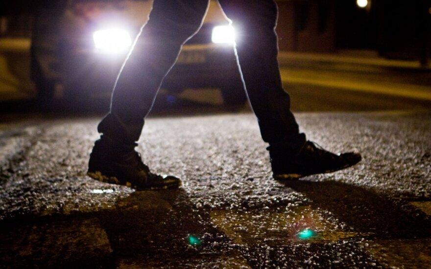 Per savaitę tamsa pasiglemžė 4 pėsčiųjų gyvybes