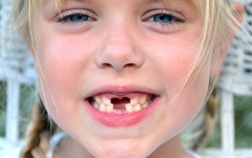 Odontologė pataria: kaip prižiūrėti vaikų dantukus?