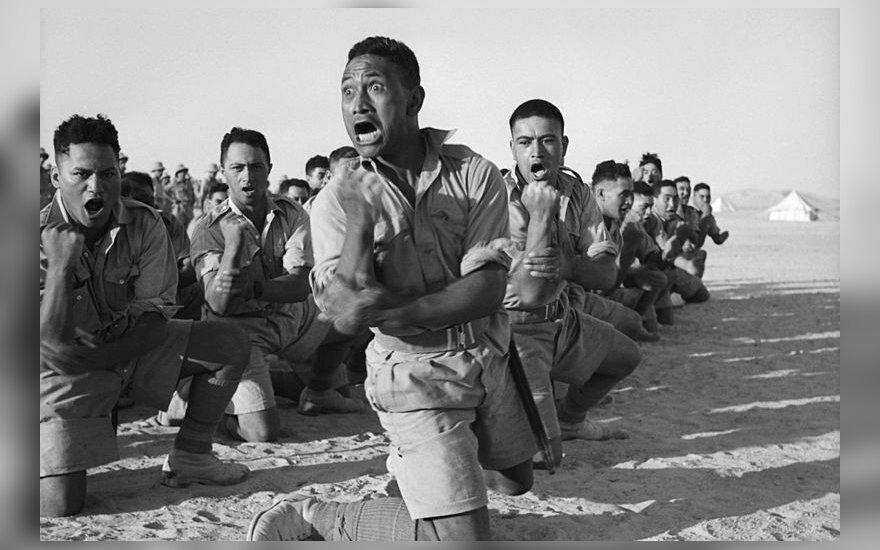 Maorių kariai Šiaurės Afrikoje 1941-aisiais. Iš 4-rių artimiausių fotografijoje matomų karių tik vienas išgyveno II-ą pasaulinį Karą