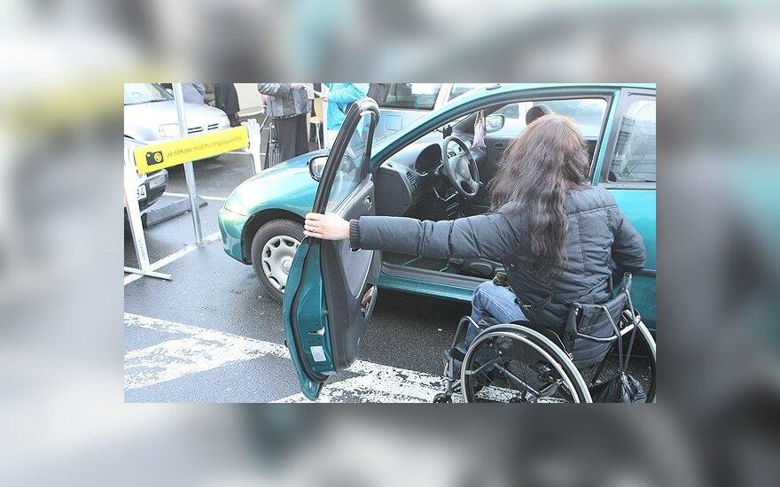 Vairuotojo pažymėjimas vėl suteikia teisę judėti