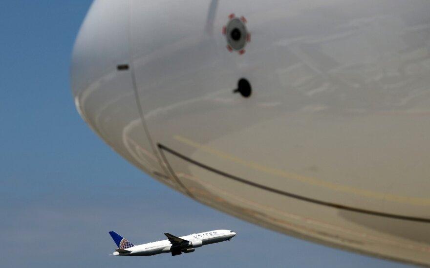 "Teko skubiai tupdyti ""Boeing 787"""