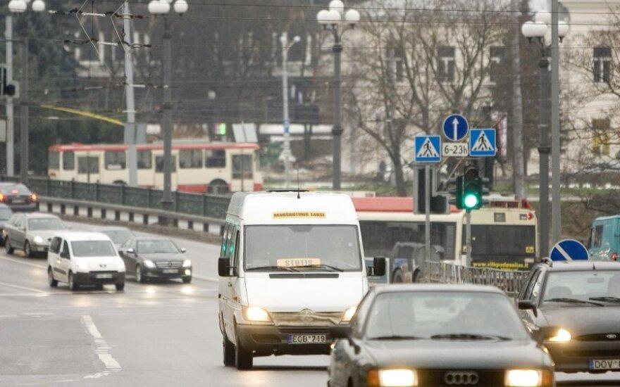 Vilniečiai skaičiuoja, kiek po transporto reformos kainuos važiavimas į darbą