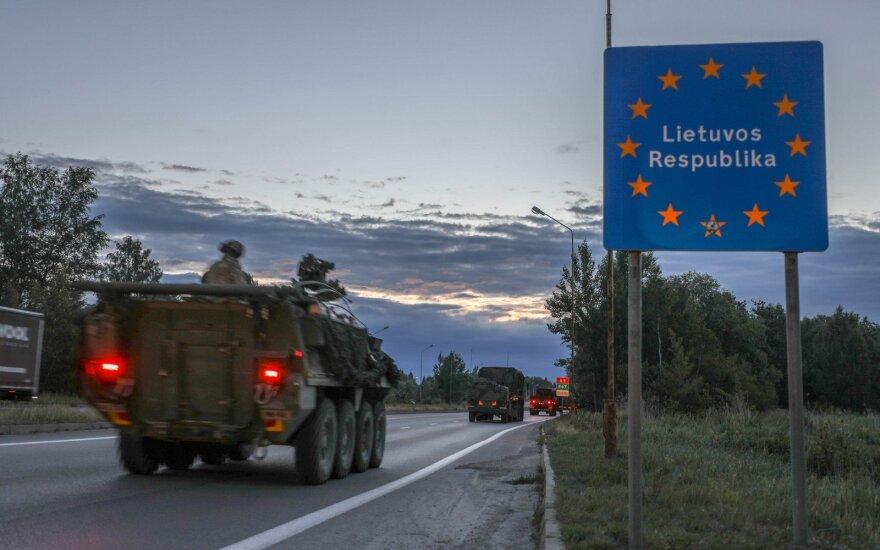 Pakeliui į Lietuvą paskui JAV šarvuočius: nereklaminis žygio veidas