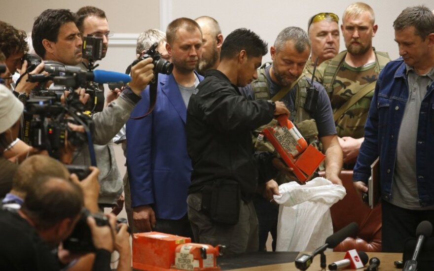 """120s"": Ukraine separatists hand over MH17 black boxes while Vilnius prepares for invasion from Zagreb"