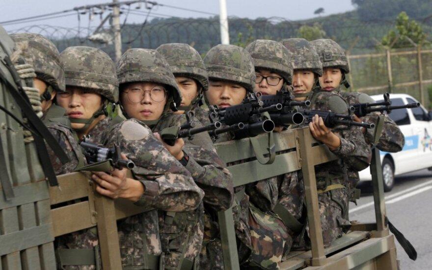 Seulas svarsto galimybę nutraukti karinį paktą su Tokijumi