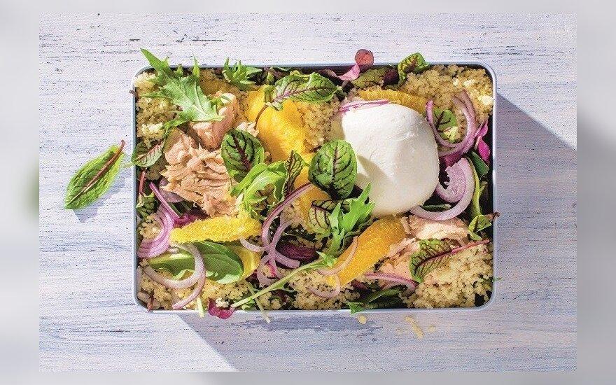 VMG pasiūlymas Velykoms: kuskuso salotos su mocarela, tunu ir apelsinais