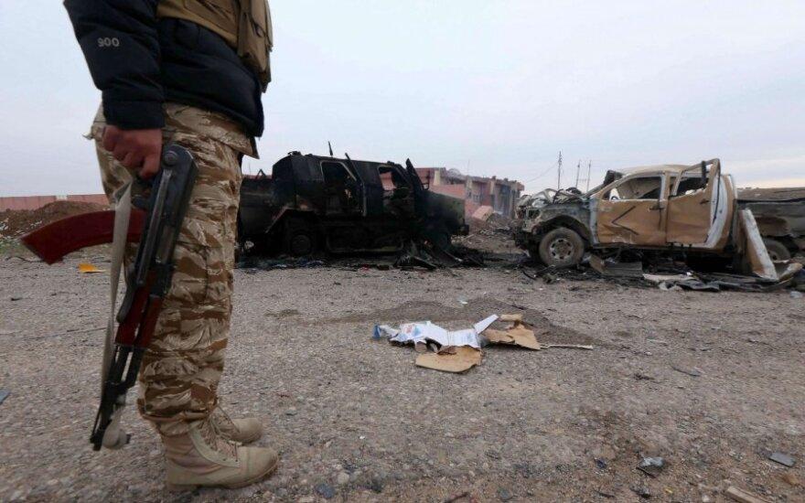 Turkija kritikuoja JAV sprendimą apginkluoti kurdų kovotojus Sirijoje
