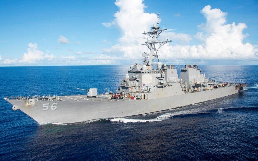 JAV po antro karinio laivo susidūrimo pradeda tyrimą