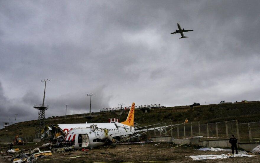 Stambulo Sabihos Gokcen oro uoste nuo tako nuslydęs lėktuvas