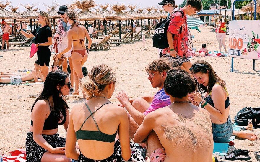 Tai, ko negalima savo šalyje – galima Bulgarijoje: audringos paauglių atostogos stebina net visko mačiusius