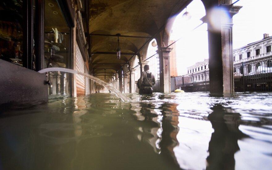 Venecija skęsta, jau apsemta 80 proc. miesto
