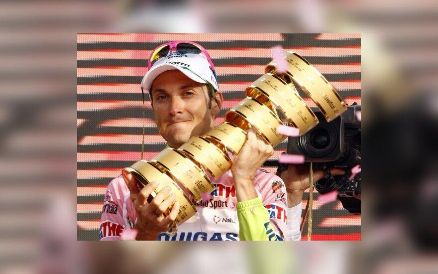 """Giro d'Italia"" lenktynėse triumfavo Ivanas Basso"