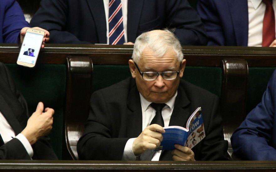 Walesa ir Kaczynskis nesutinka susitaikyti šmeižto byloje