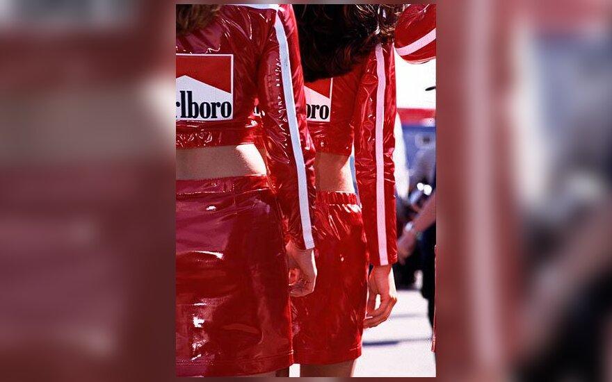 """Merginos """"Formulės 1"""" trasoje"""