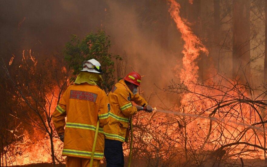 Australai perspėjami, kad baisiausi krūmynų gaisrai gali dar tik laukti
