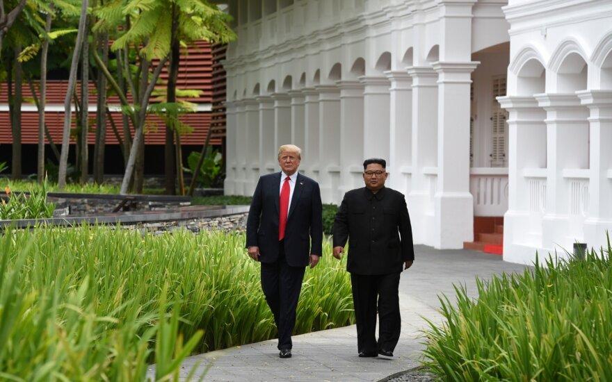 Kim Jong Unas ir Donaldas Trumpas