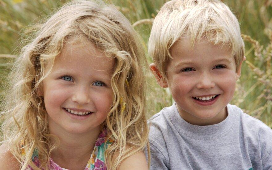 Psichologė išvardijo, ką būtinai turi žinoti auginantys berniukus arba mergaites