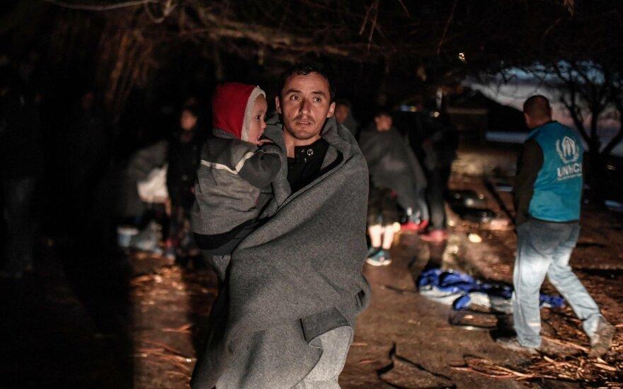 Graikijos policija pranešė apie audringus migrantų protestus sulaikymo centre