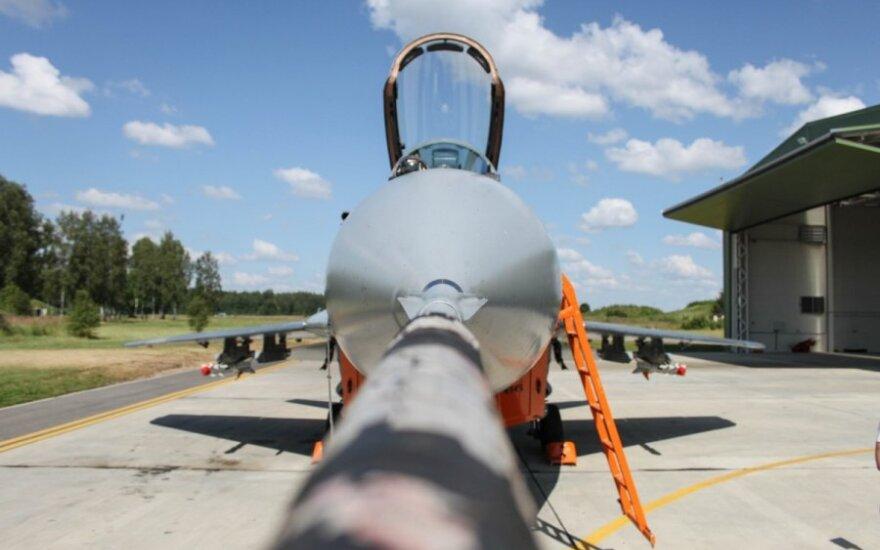 Dėl Ukrainos krizės NATO parengs naujus gynybos planus