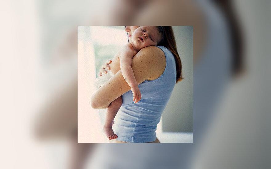Moteris su kūdikiu