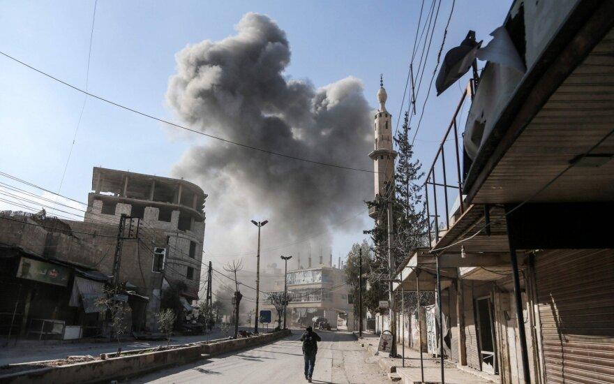 Sirijos sukilėliai paskelbė numušę vyriausybės naikintuvą Su-24