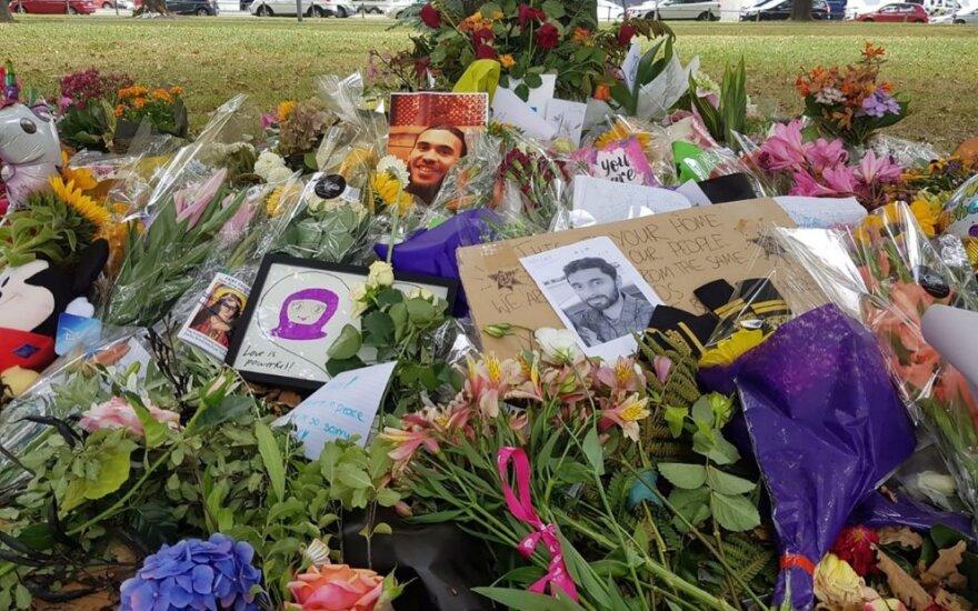 Gėlės aukoms po Kraistčerčo atakos
