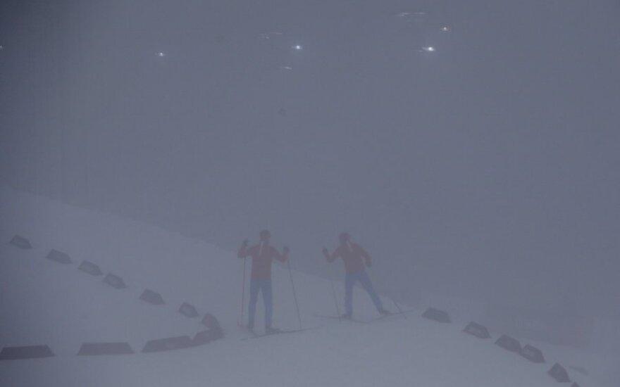 Sočio olimpinių žaidynių programą sujaukė rūkas biatlono trasoje
