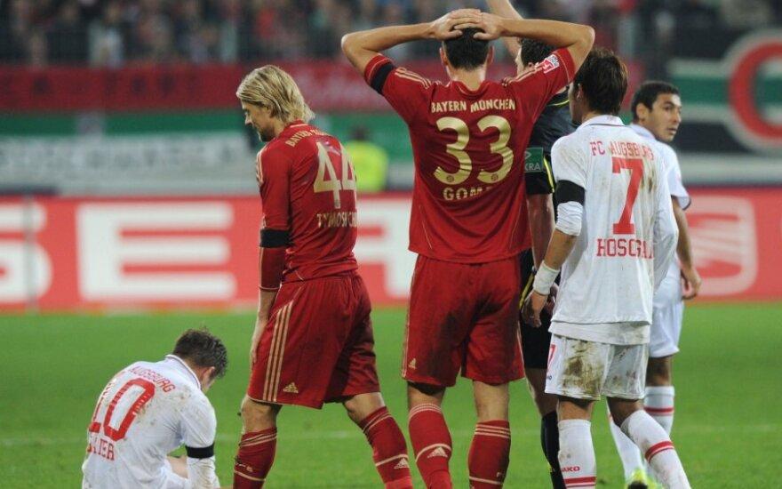 """Rungtynėse tarp """"Augsburg"""" ir """"Bauern"""" klubų Anatolijus Tymoščiukas gavo raudoną kortelę"""