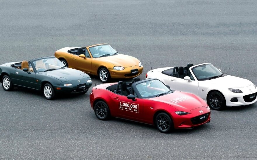 "Keturios ""Mazda MX-5"" kartos"