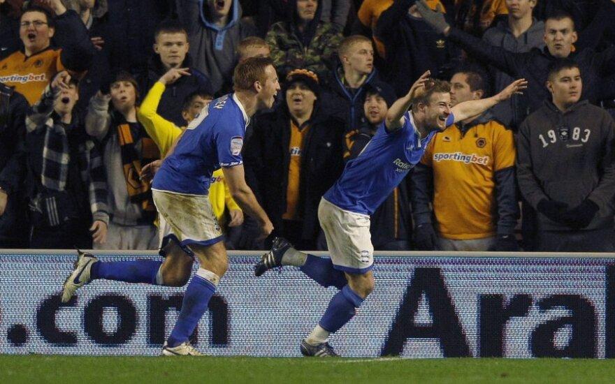 """Wade'a Elliottas (""""Birmingham City"""", dešinėje)  džiaugiasi įvarčiu"""