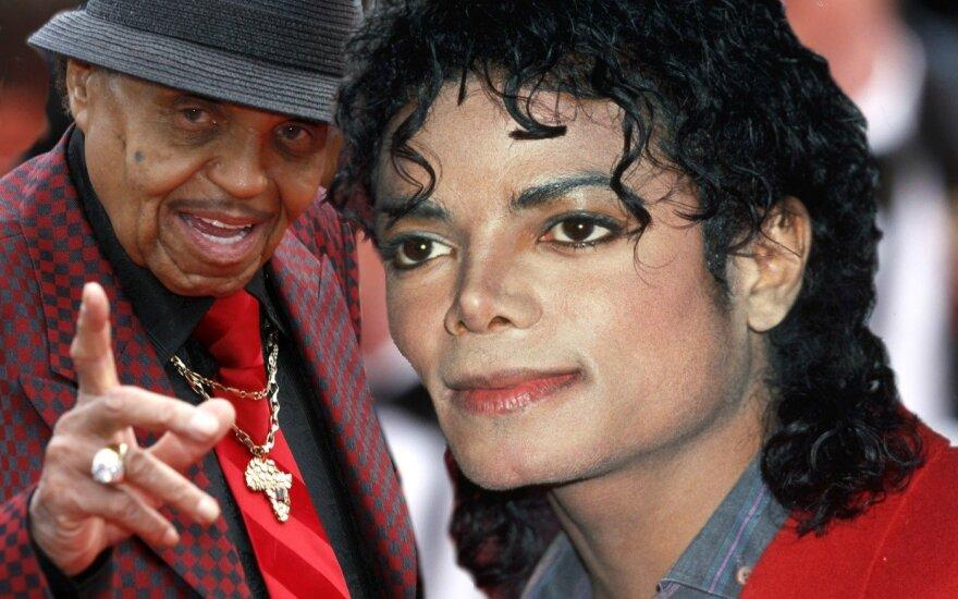 Gydytojas atskleidė žiaurias detales: 12-mečiui Michaelui Jacksonui jo tėvas atliko cheminę kastraciją